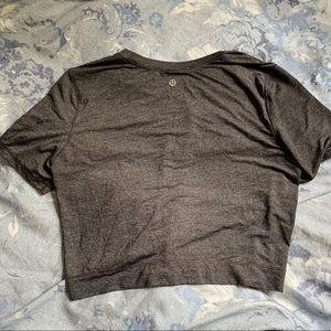 Lululemon Cropped short sleeve top